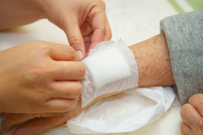 wound dressing a bloody and brine of patient